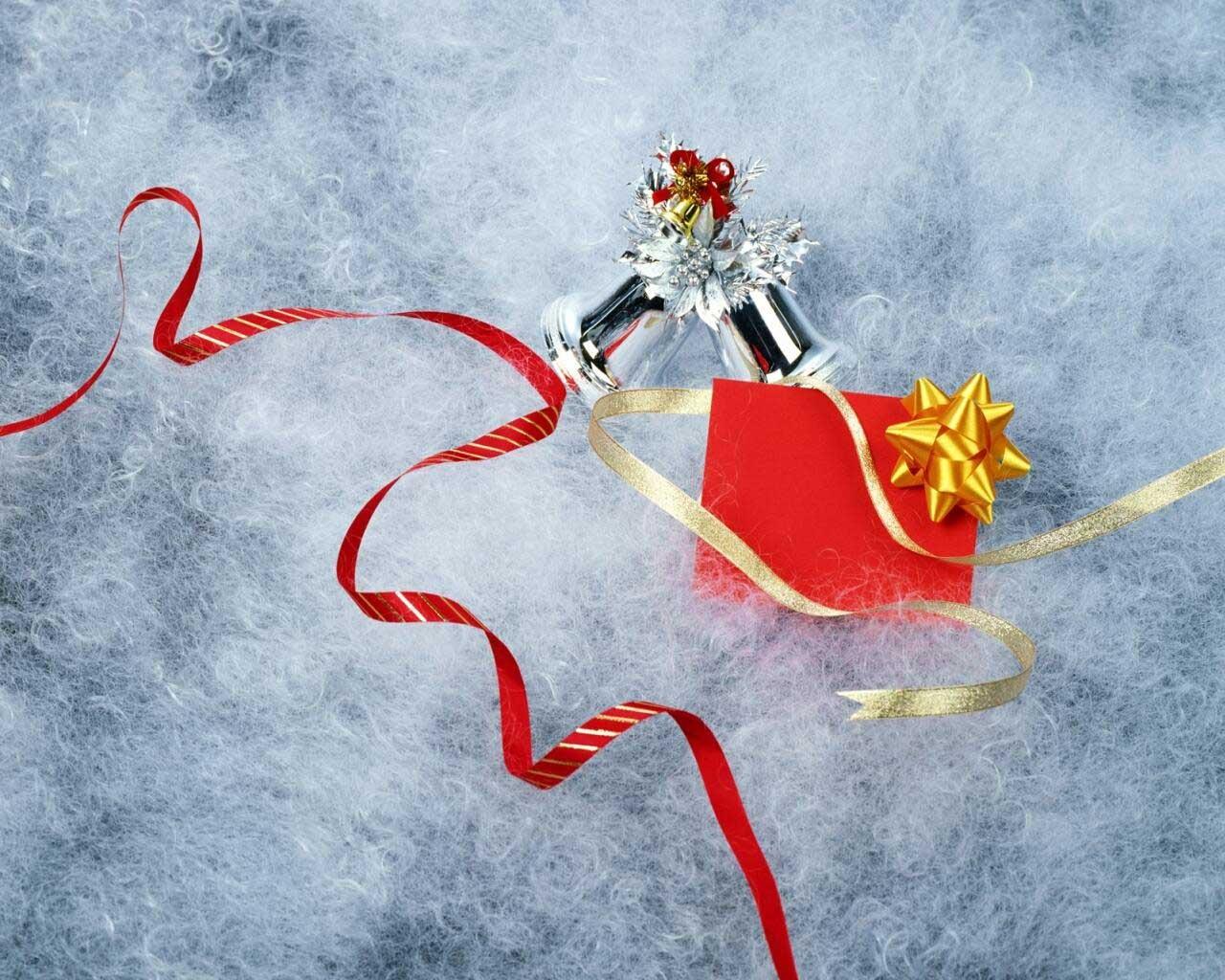 Снежинка из конфет своими руками